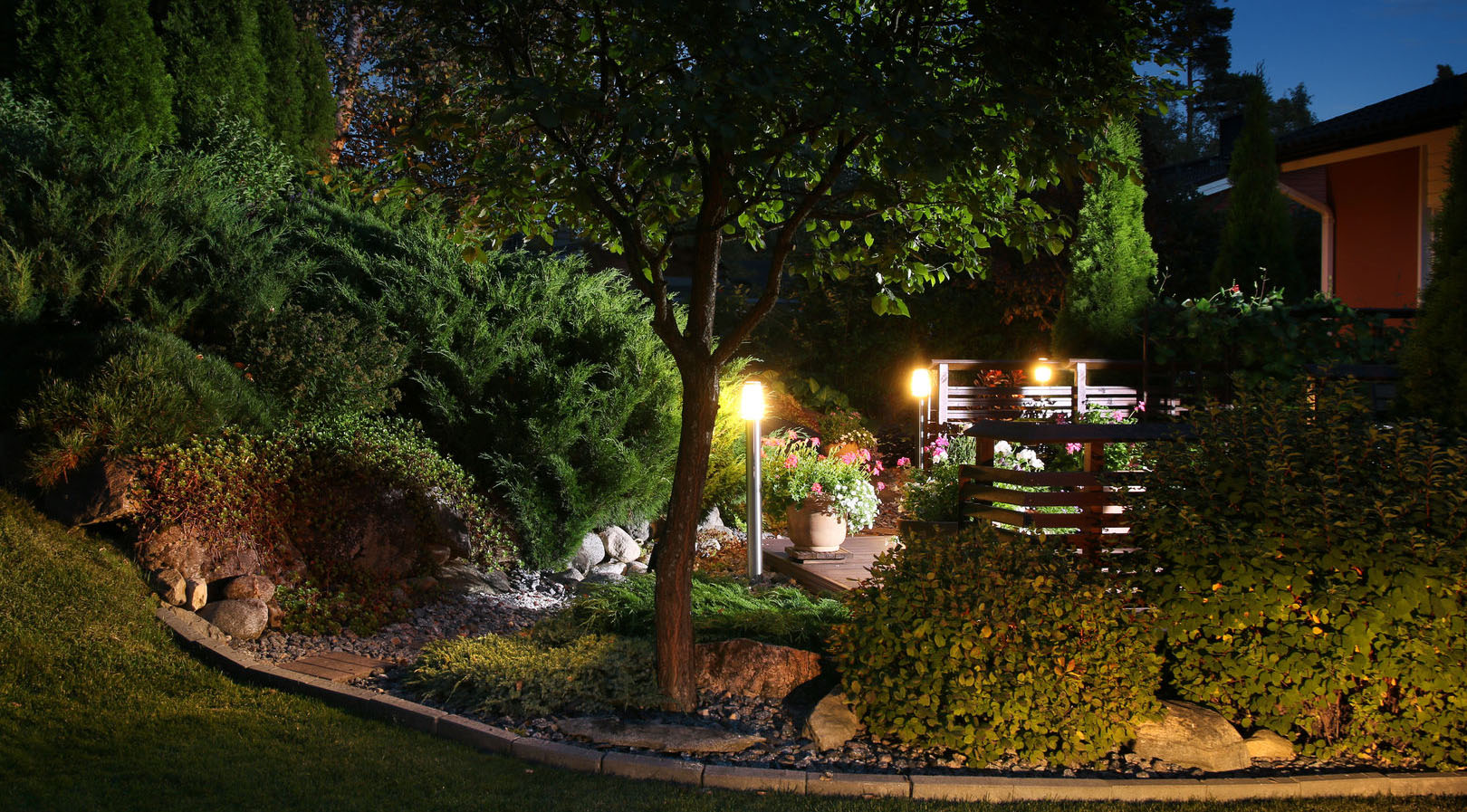 Landscape Lighting Z Wave : Proper lighting for your outdoor areas huskie z landscaping